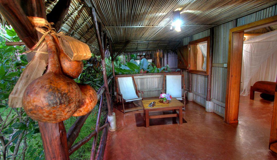 Terrasse bungalow Ambatoloaka